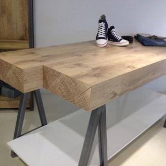Robuuste hout-look tafel Linea 9
