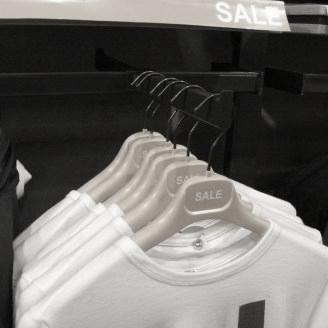 kledinghanger in wenskleur speciaal voor de uitverkoop