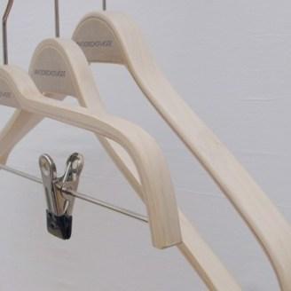 hechthouten hangers blank gewaxt